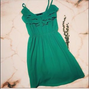 🏖 Doe & Rae Green Spaghetti Strap Ruffle Dress
